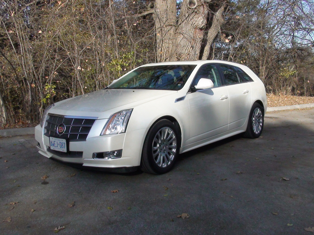 Pictures of cadillac cts sport wagon 2010
