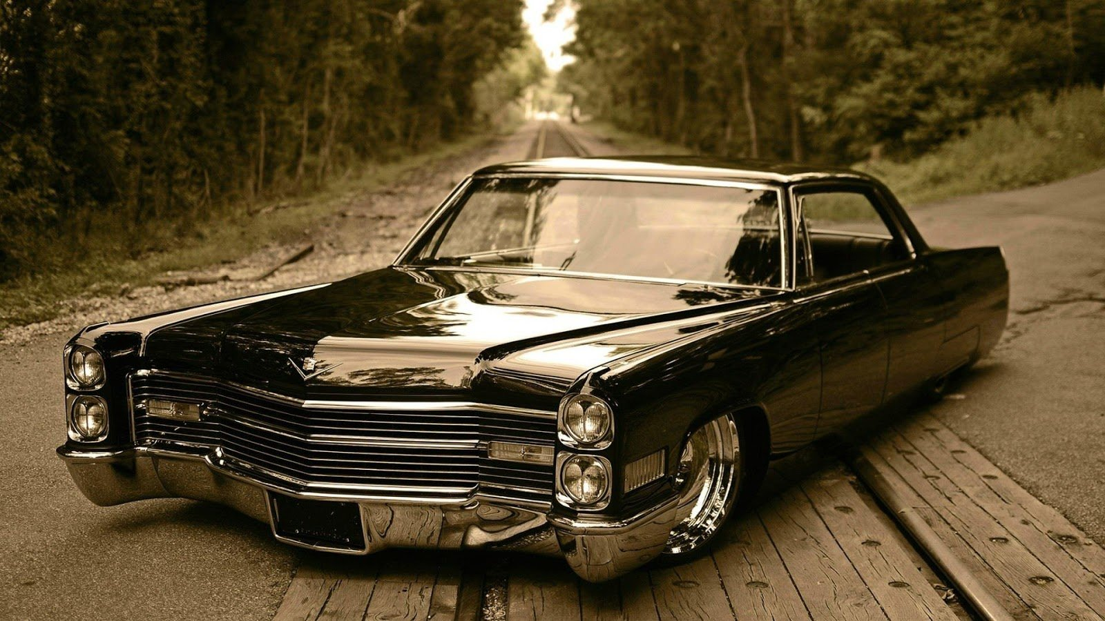 Pictures of cadillac de ville