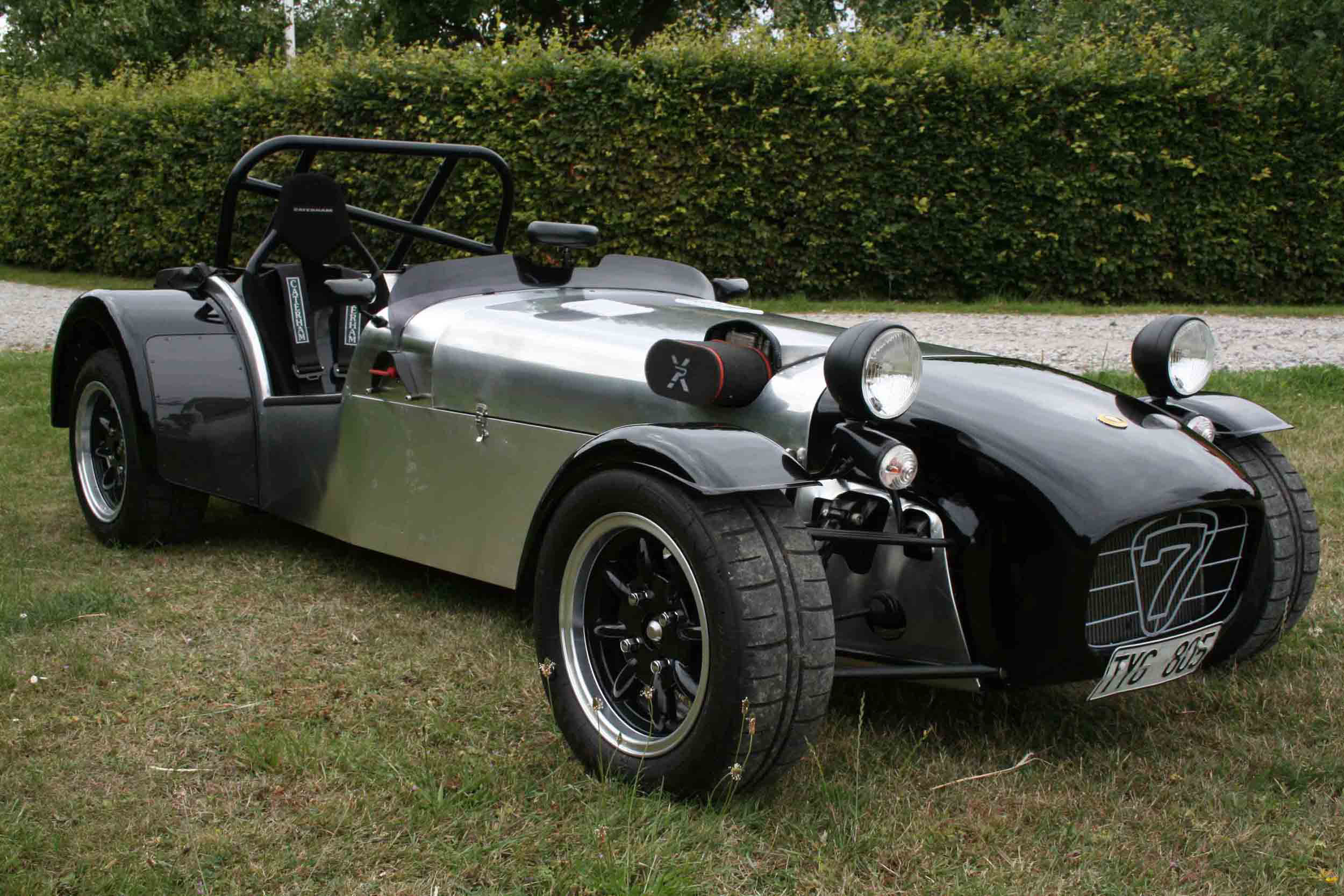 Pictures of caterham super seven #11