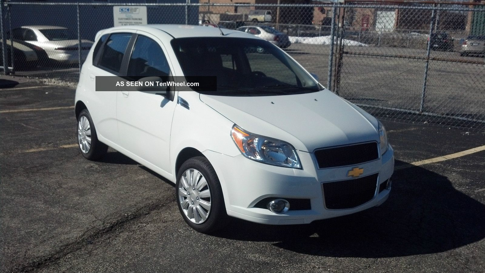 Pictures of chevrolet aveo (ii) hatchback 2011 #5