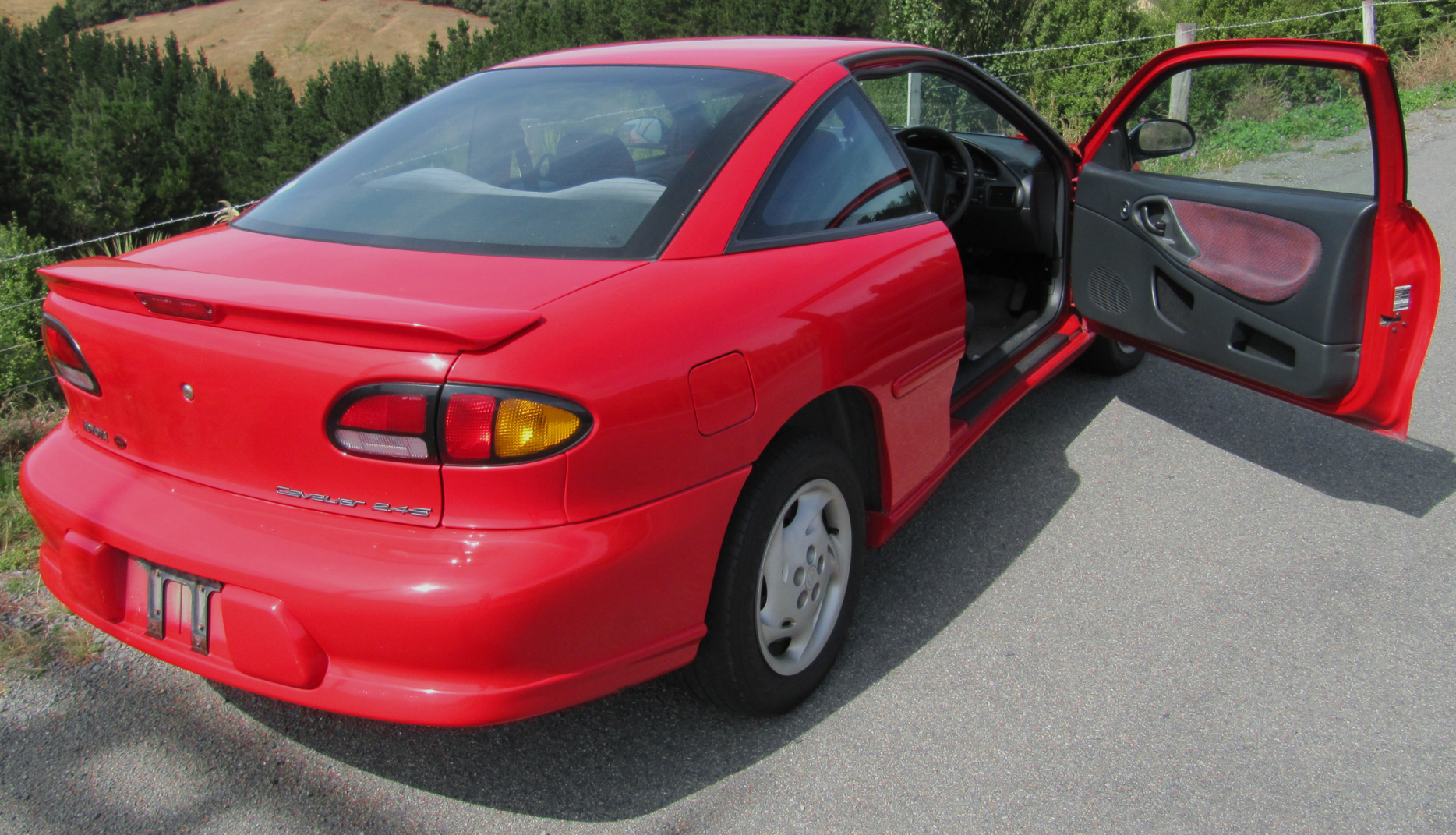 Pictures of chevrolet cavalier coupe (j) 1997