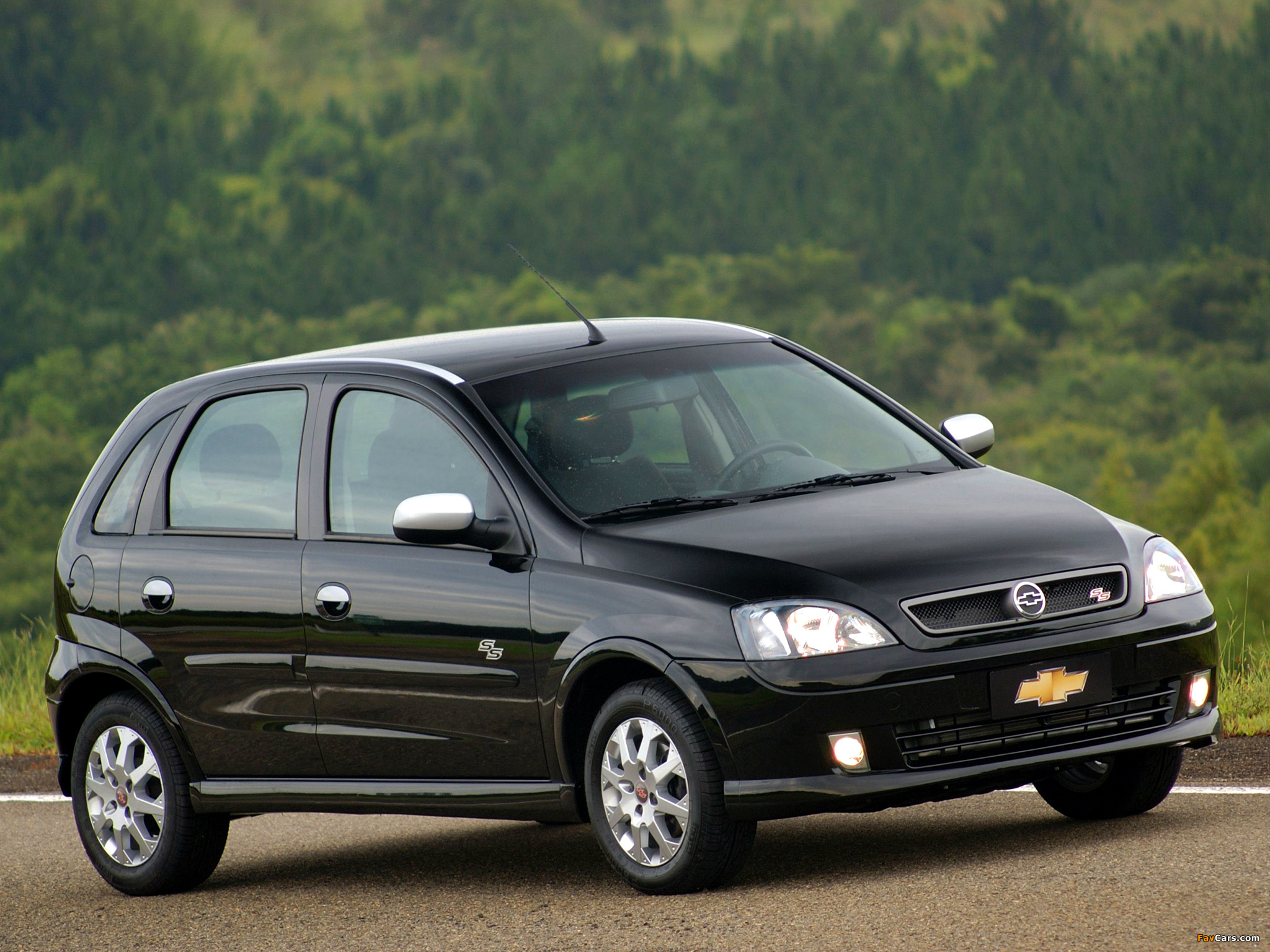 Pictures of chevrolet corsa