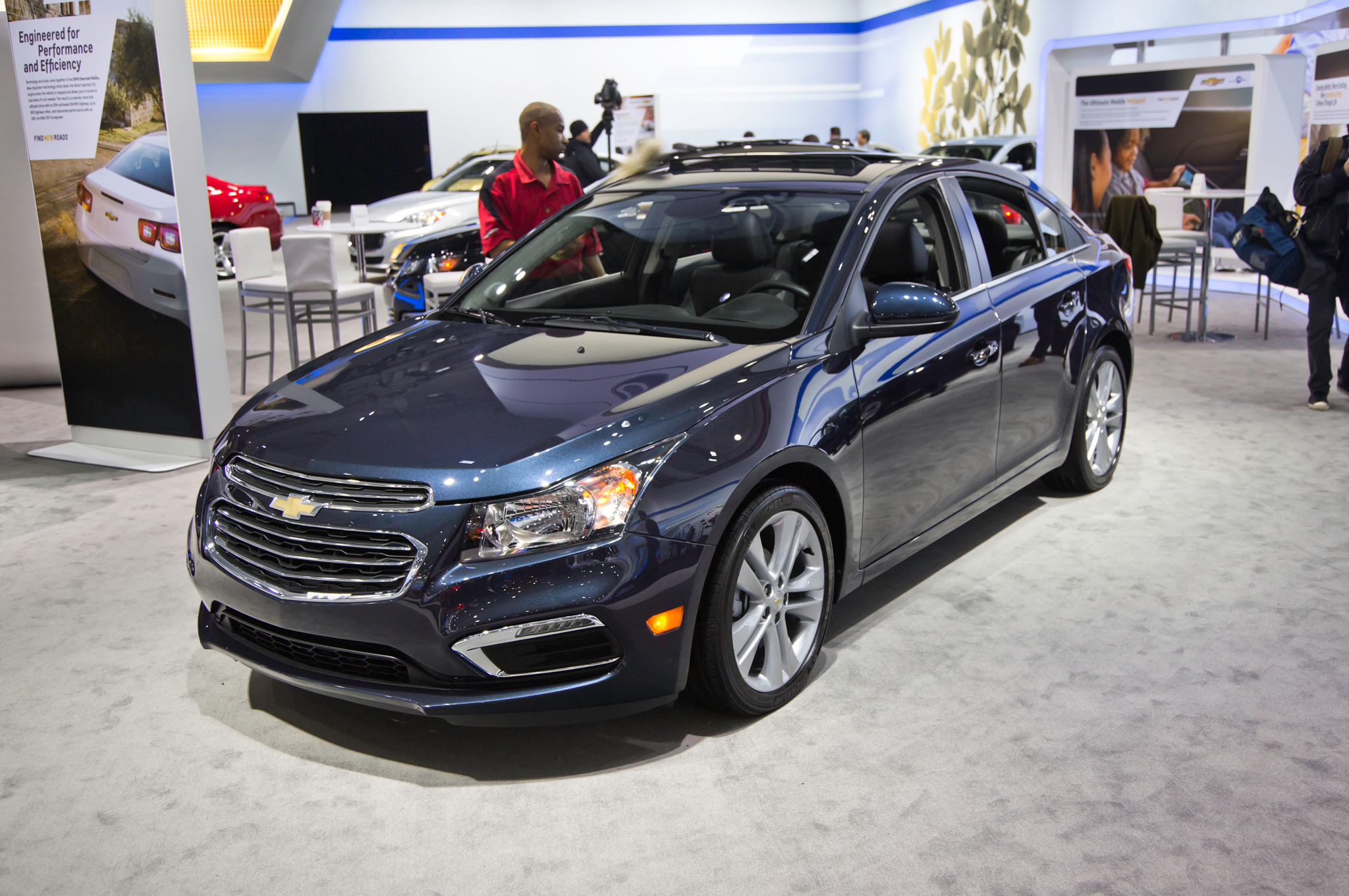 2015 chevrolet cruze avant – pictures, information and specs