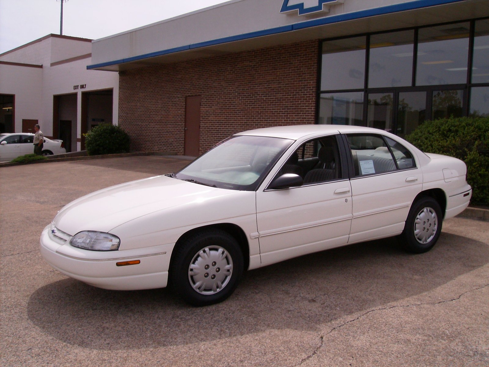 Pictures of chevrolet lumina #11
