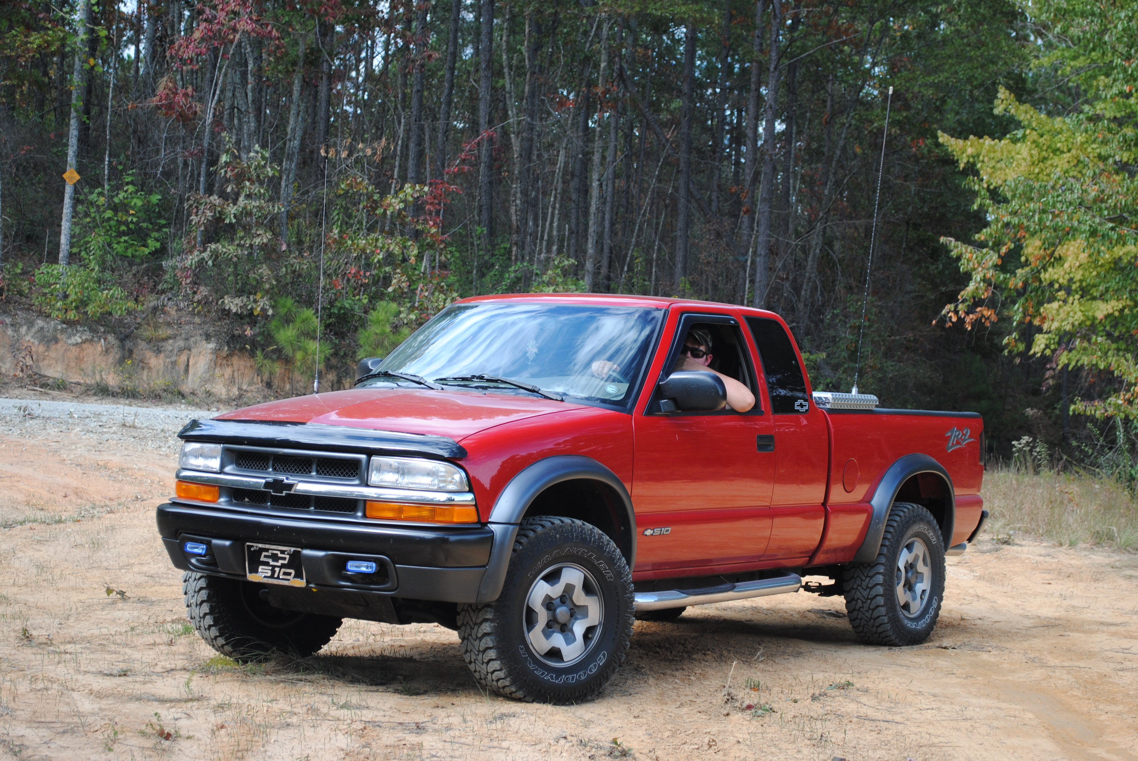 Pictures of chevrolet s-10 pickup 2001