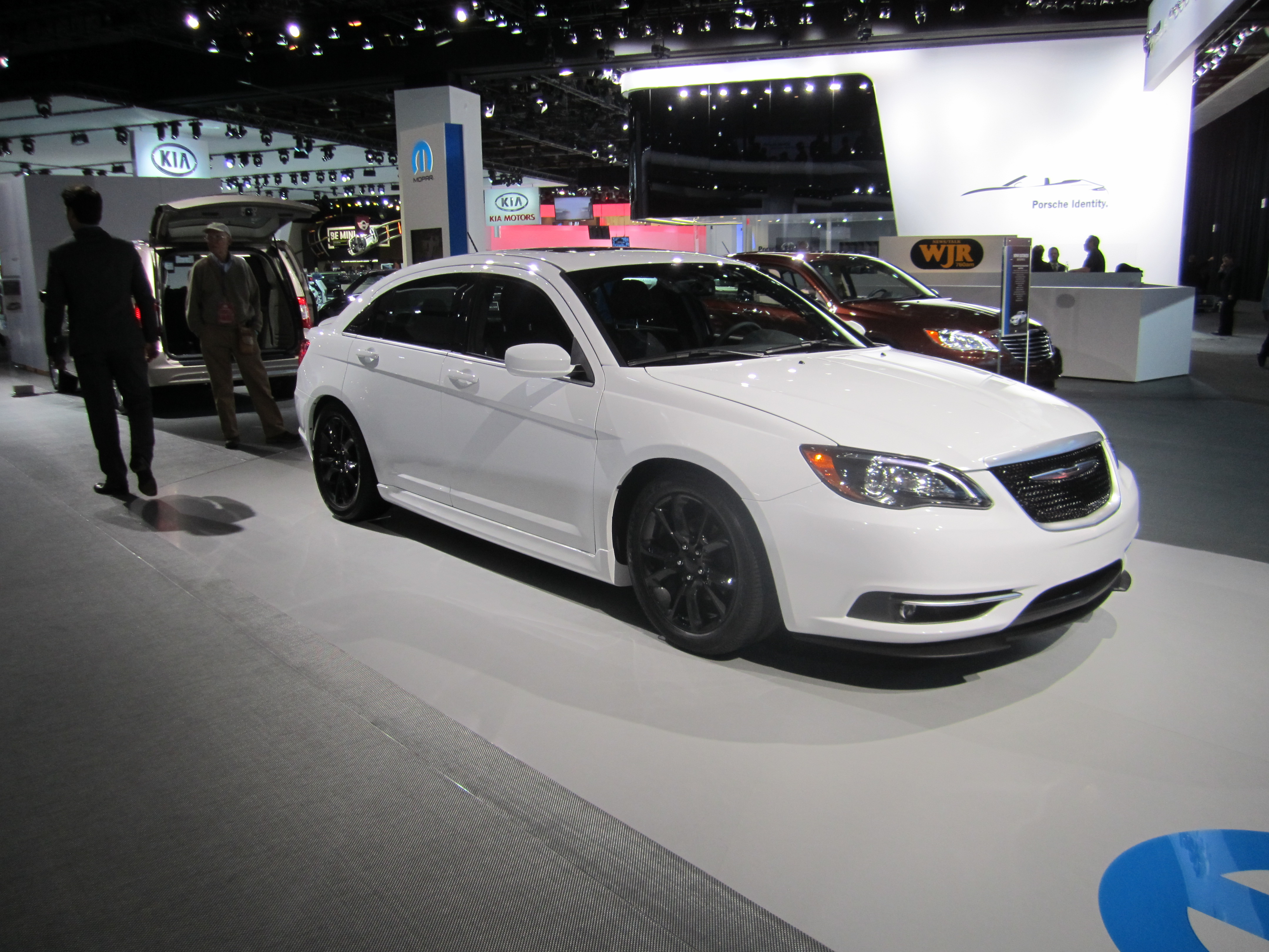 Pictures of chrysler 200 #4