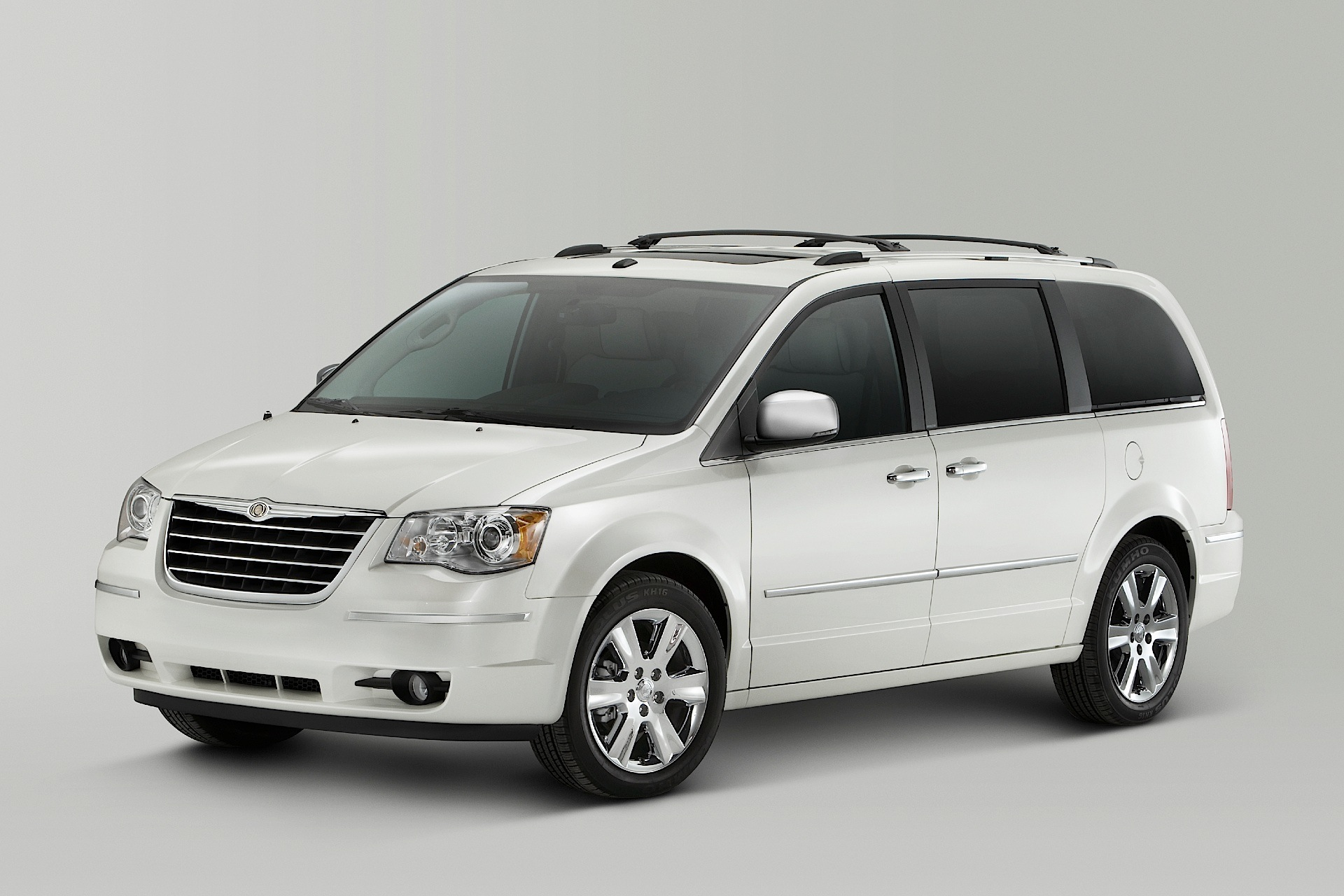 Pictures of chrysler town & country