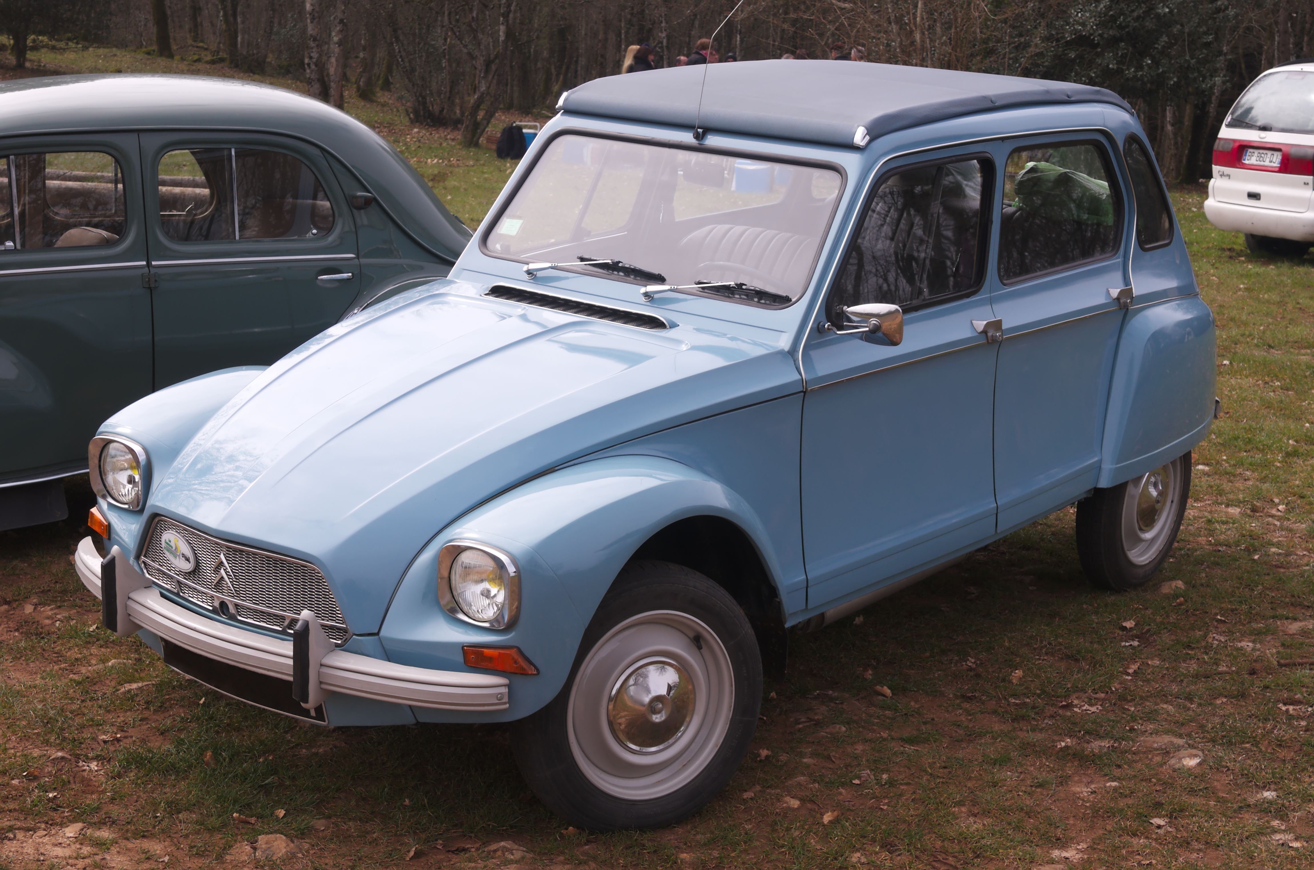 Pictures of citroen dyane