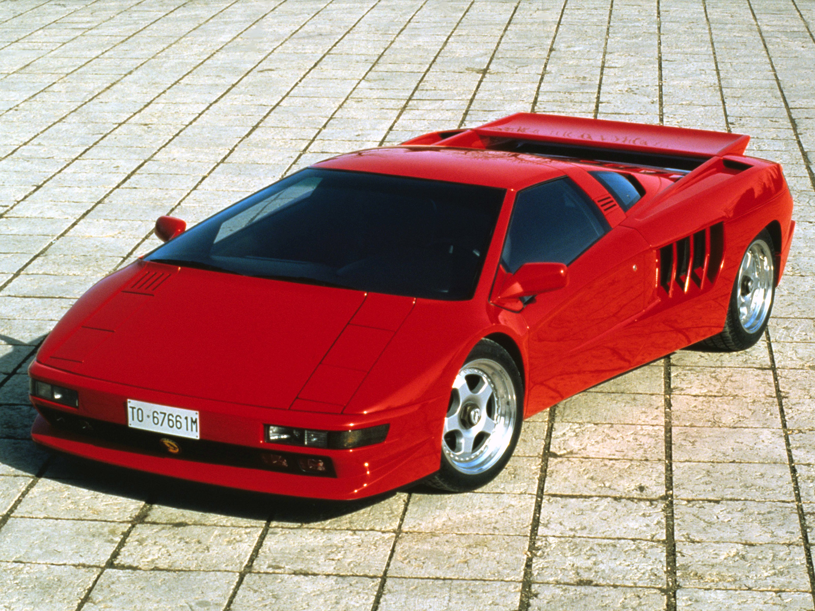 Pictures of cizeta v16t