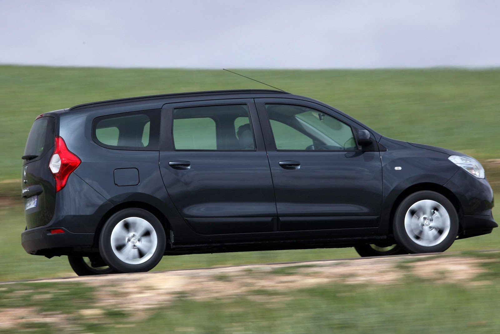 dacia lodgy pictures information and specs auto. Black Bedroom Furniture Sets. Home Design Ideas