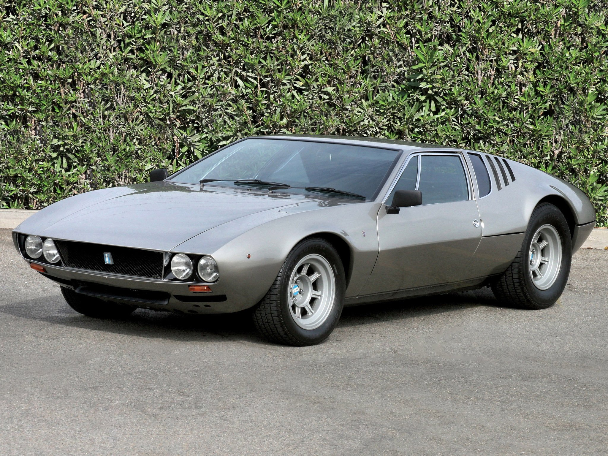Pictures of de tomaso