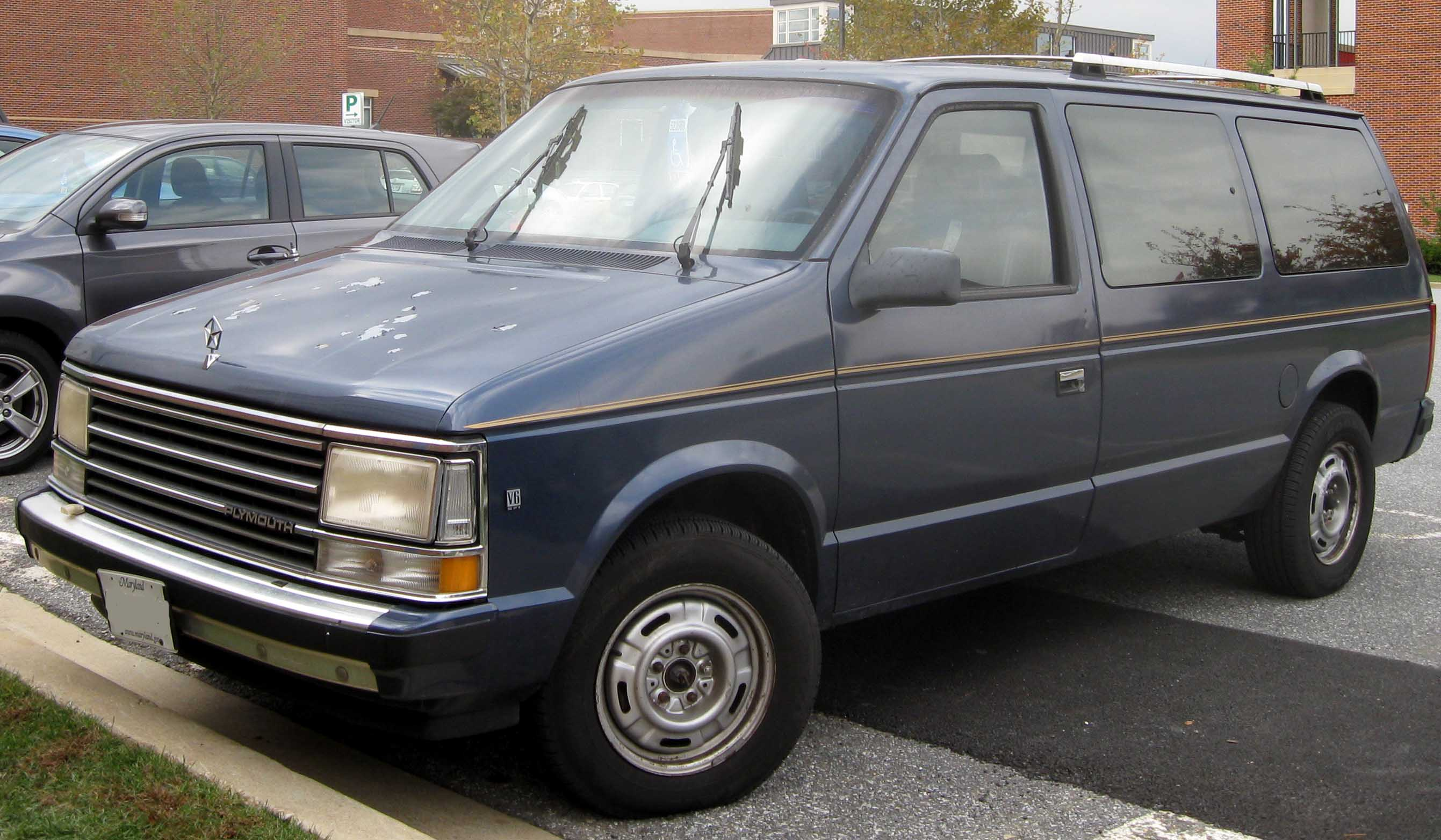 Pictures of dodge grand caravan 1990