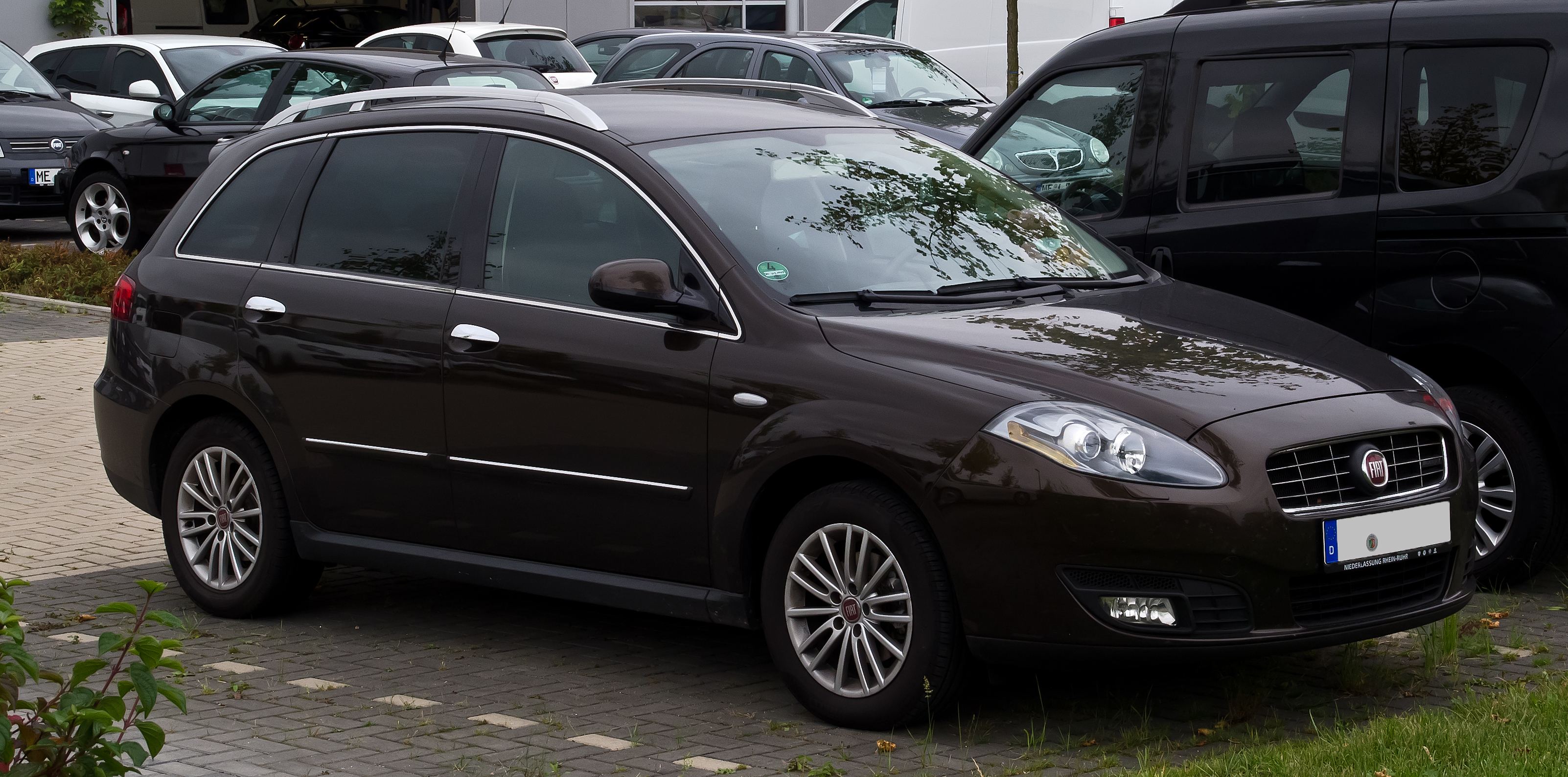 Pictures of fiat croma