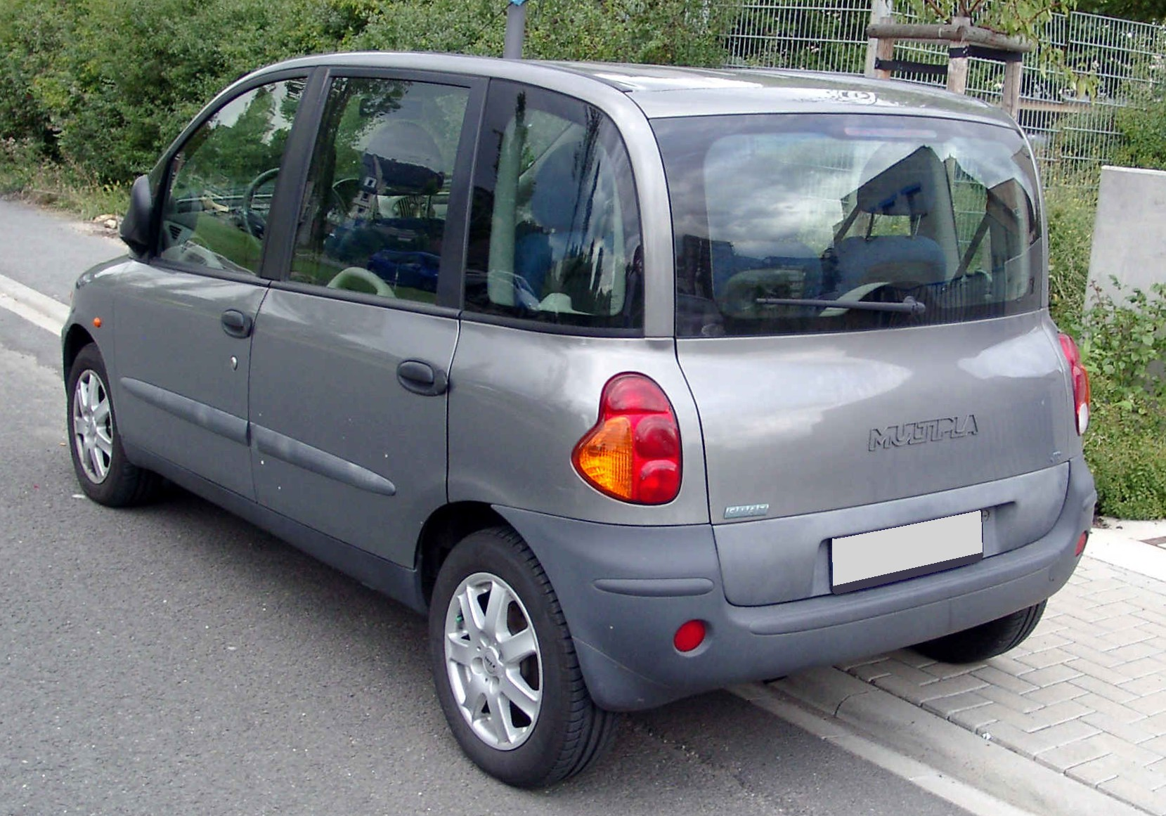 Pictures of fiat multipla
