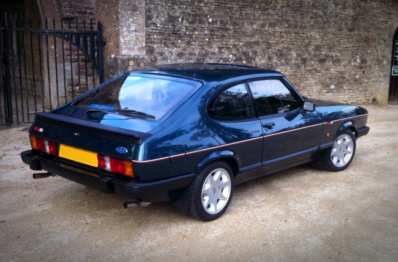 Pictures of ford capri #13