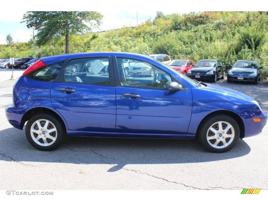 2005 ford focus hatchback ii pictures information and. Black Bedroom Furniture Sets. Home Design Ideas