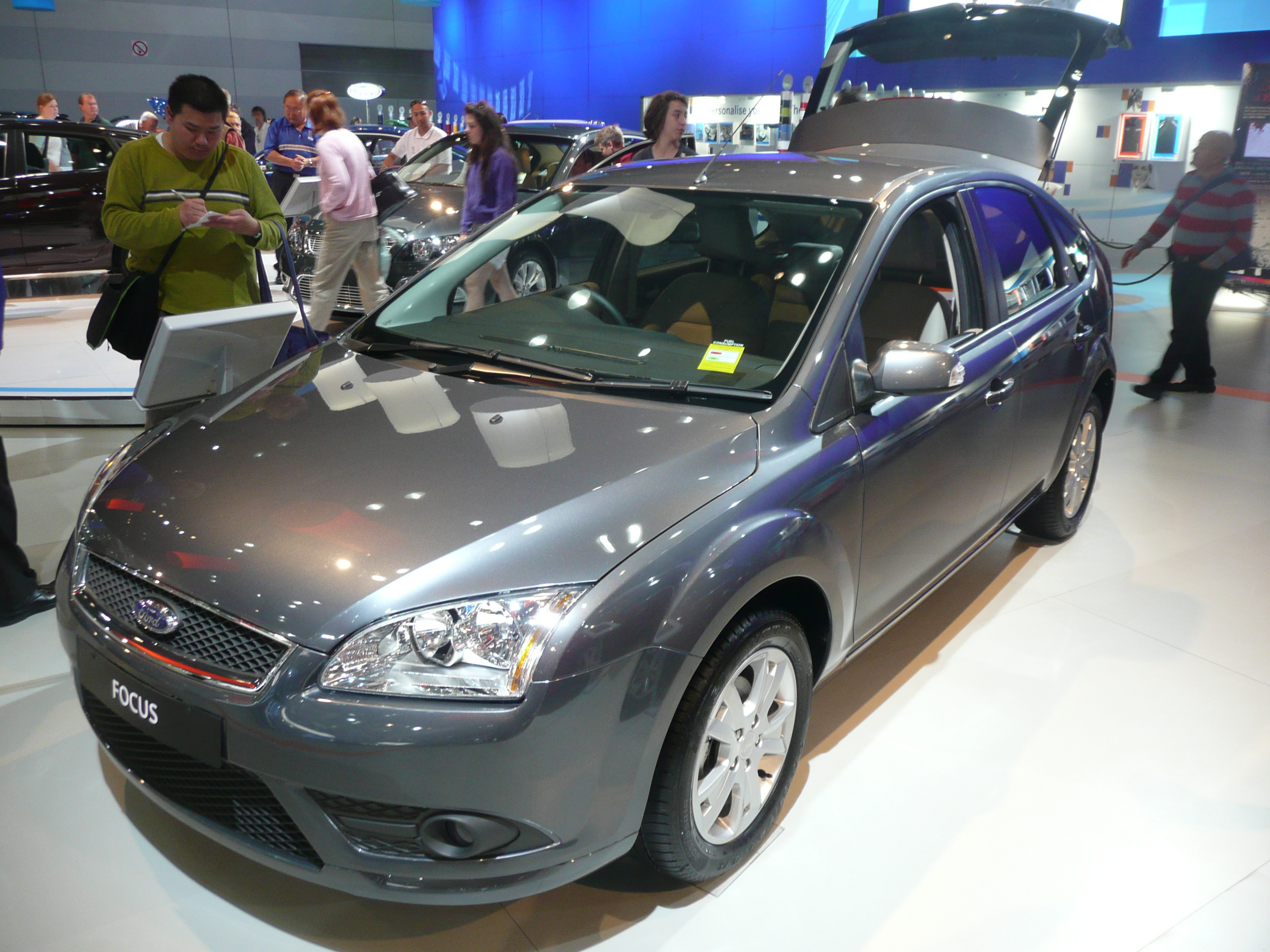 Pictures of ford focus hatchback ii 2008