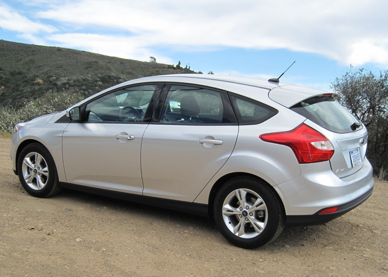 Pictures of ford focus hatchback iii 2012