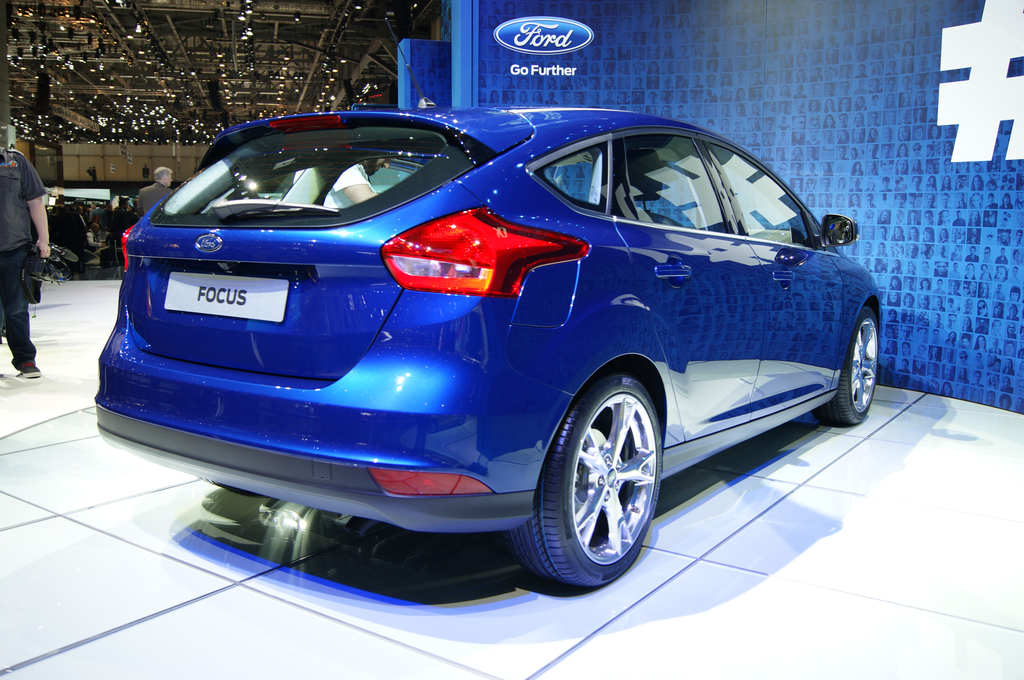 Pictures of ford focus wagon iii 2014