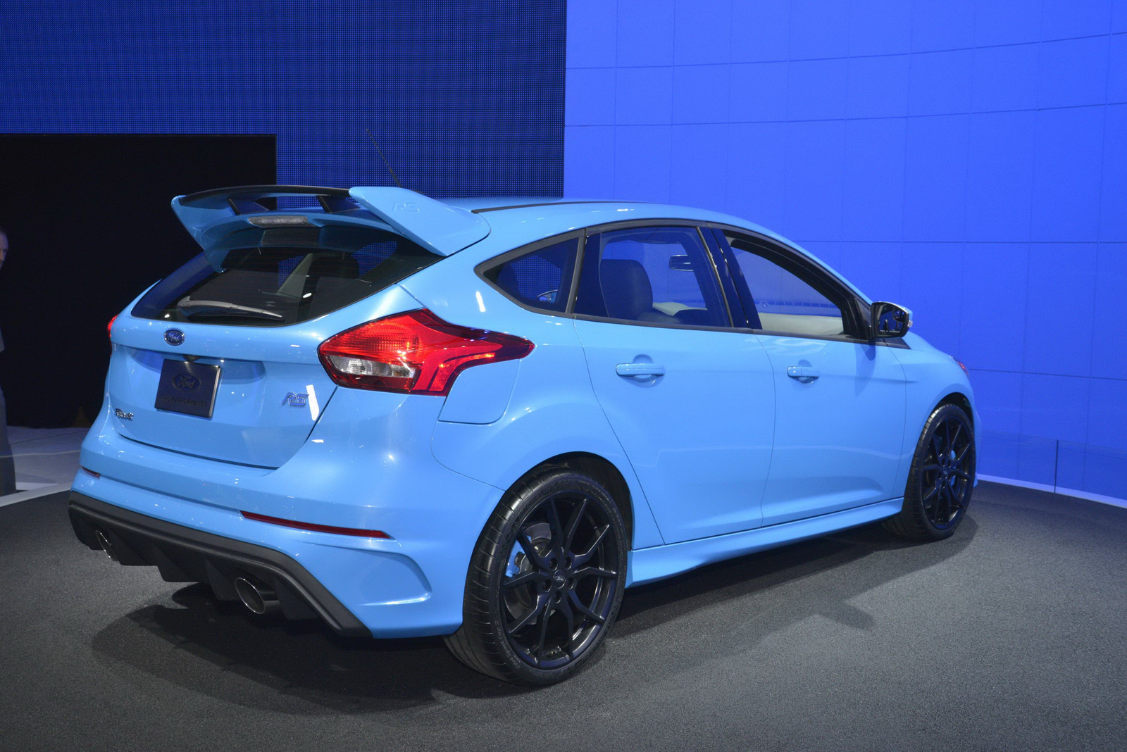 Pictures of ford focus wagon iii 2016