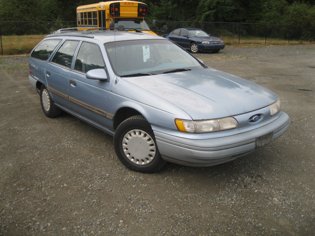 Pictures of ford taurus station wagon 1992