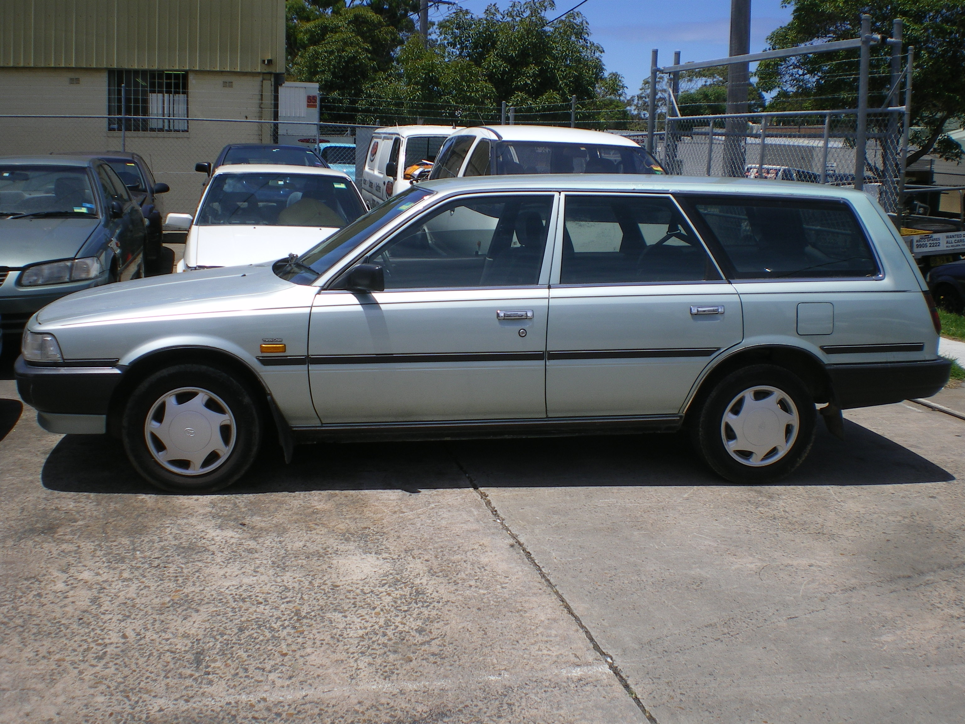 Pictures of holden apollo wagon 1991