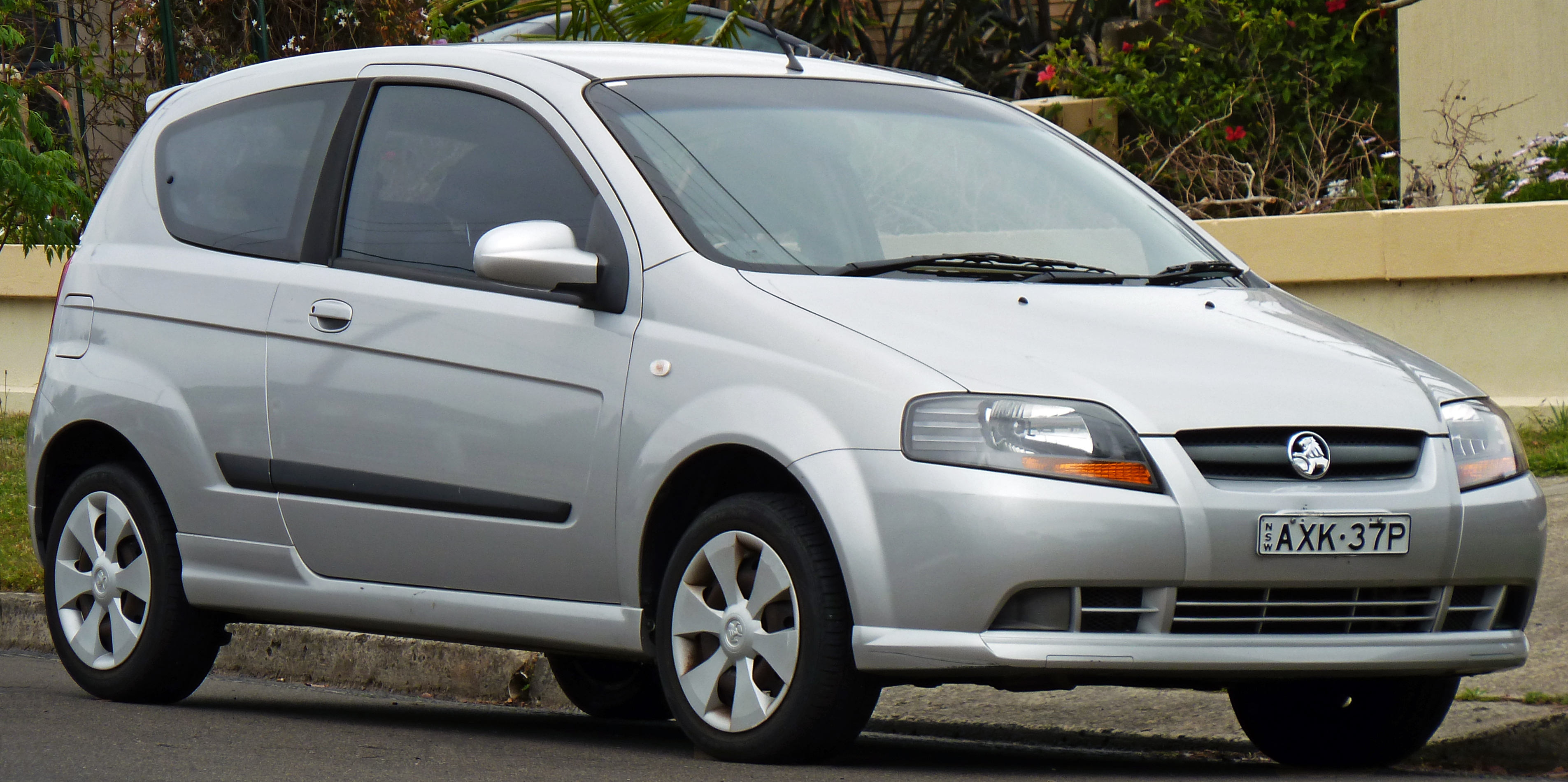 Pictures of holden barina