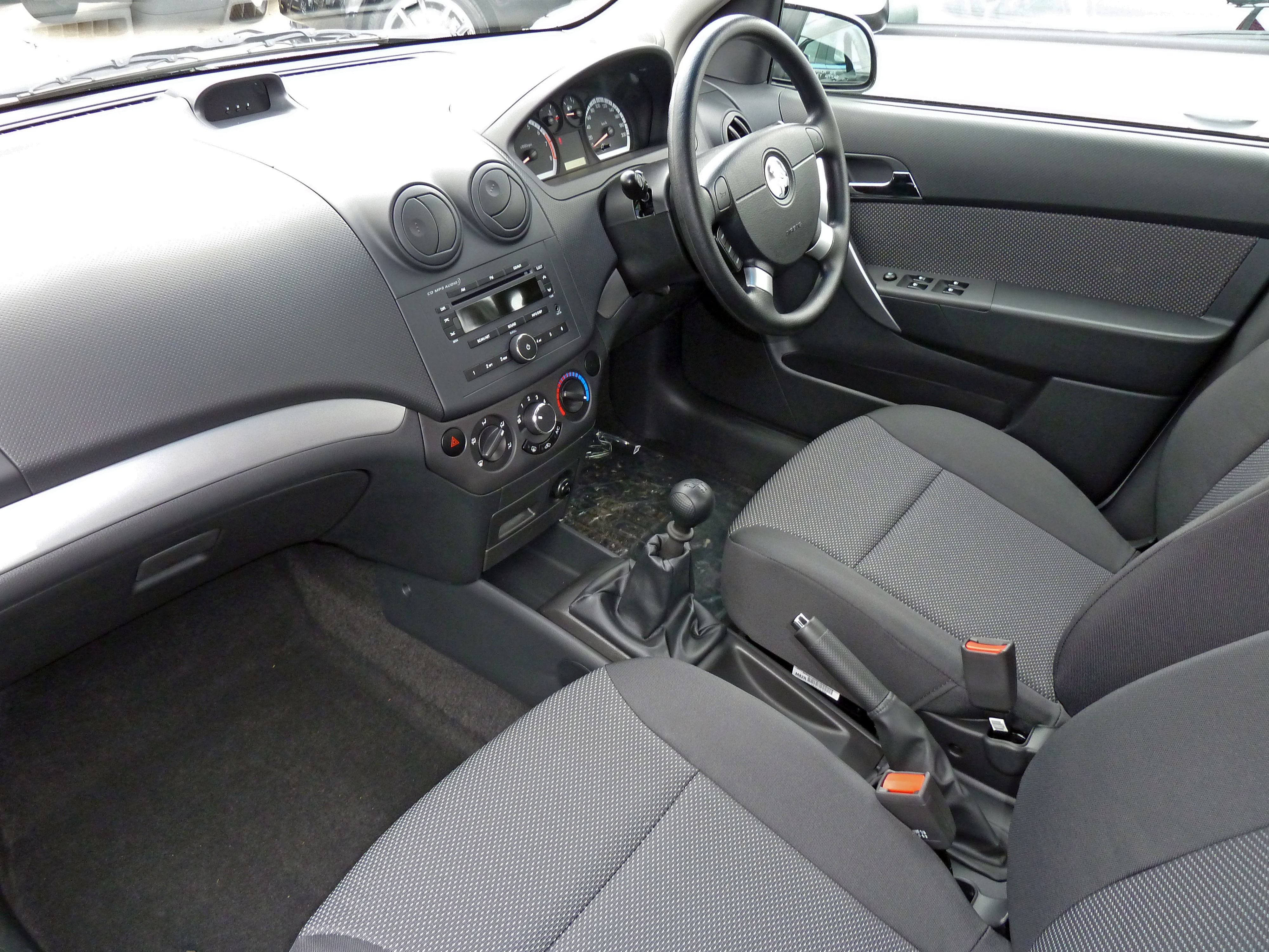 Pictures of holden barina (tk) 2007