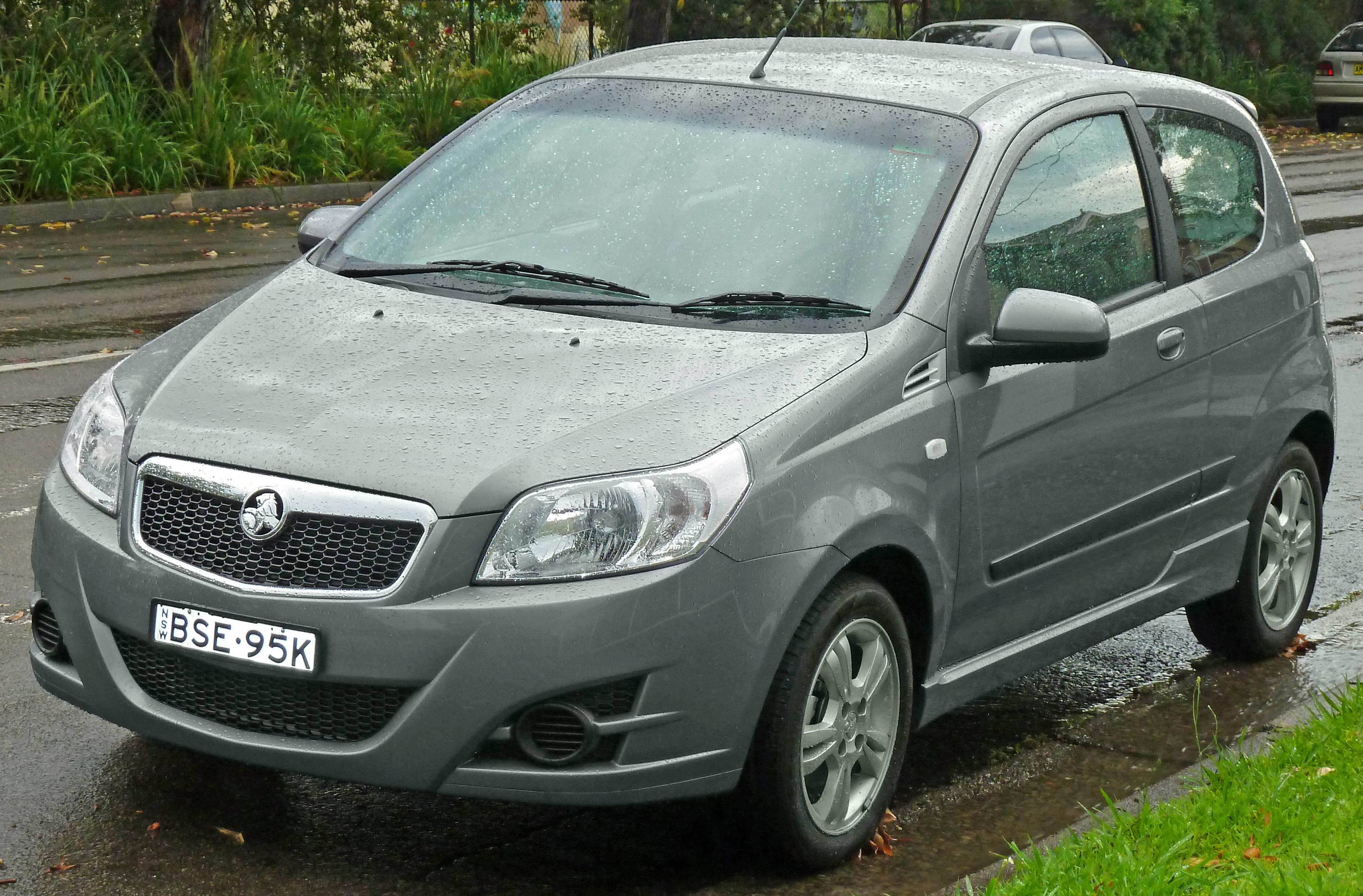 Pictures of holden barina (tk) 2012