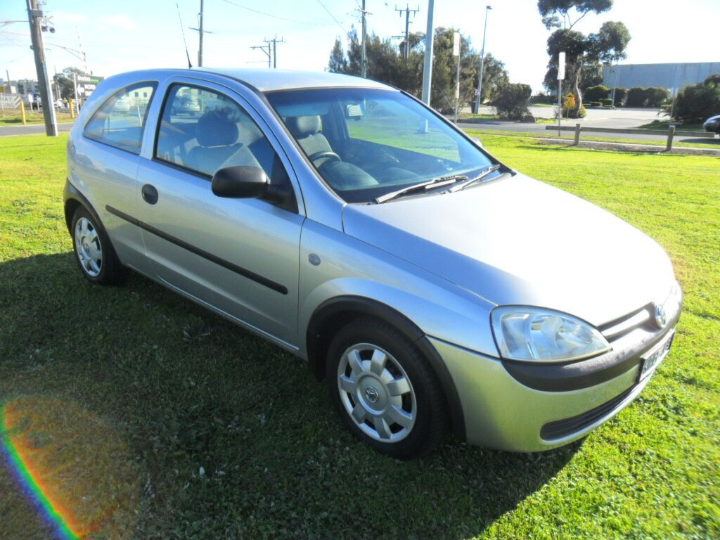 Pictures of holden barina (xc) 2001