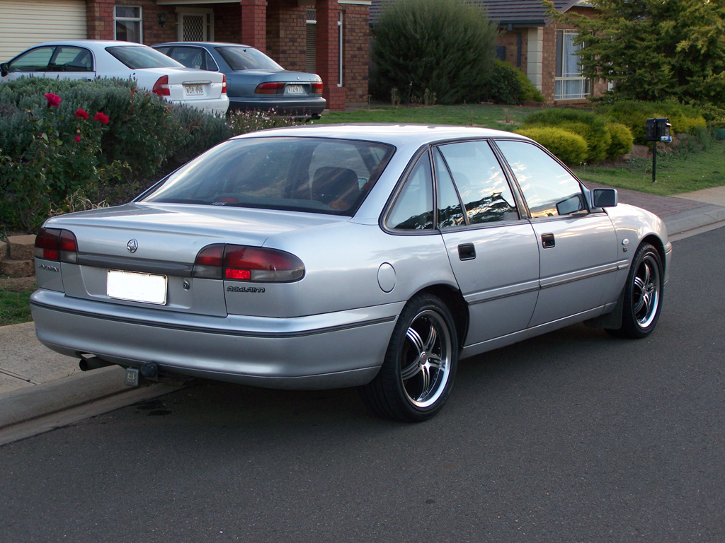 Pictures of holden commodore 1994 #8