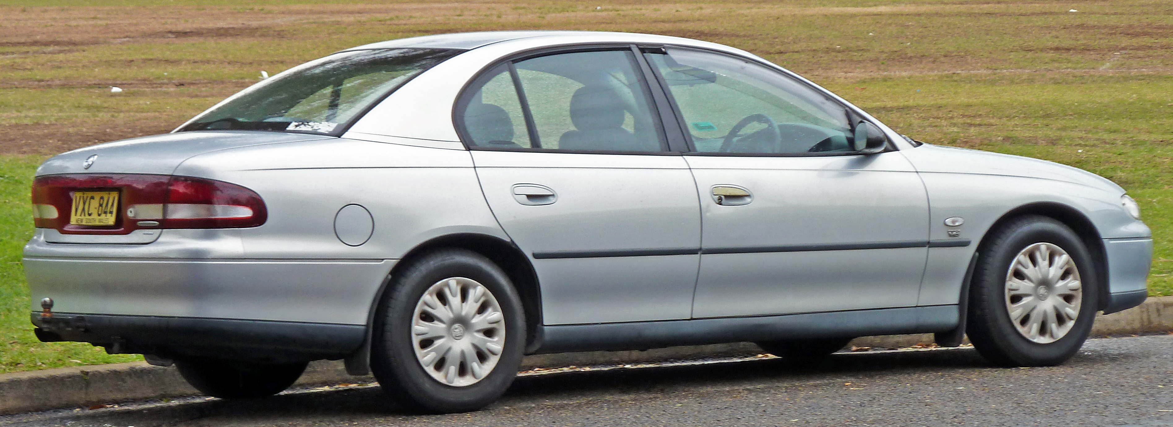 Pictures of holden commodore (vt) 2010 #8