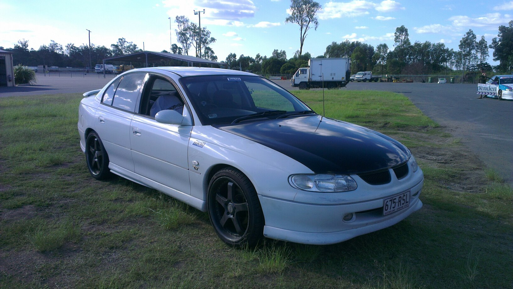 Pictures of holden commodore (vt) 2014 #5