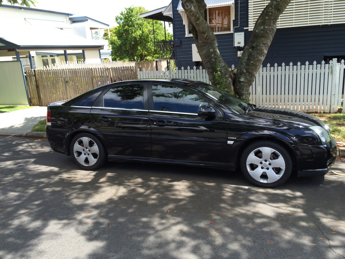 Pictures of holden vectra hatcback (b) 2015