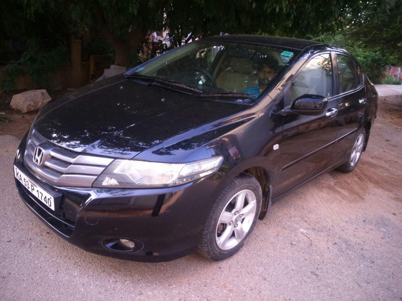 Pictures of honda city v 2010
