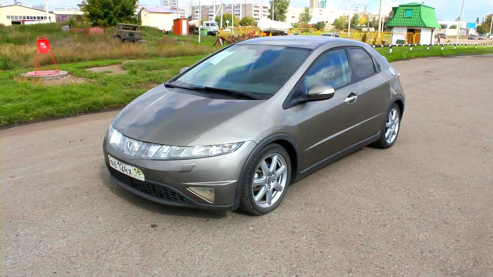 Pictures of honda civic fastback viii 2008 #2