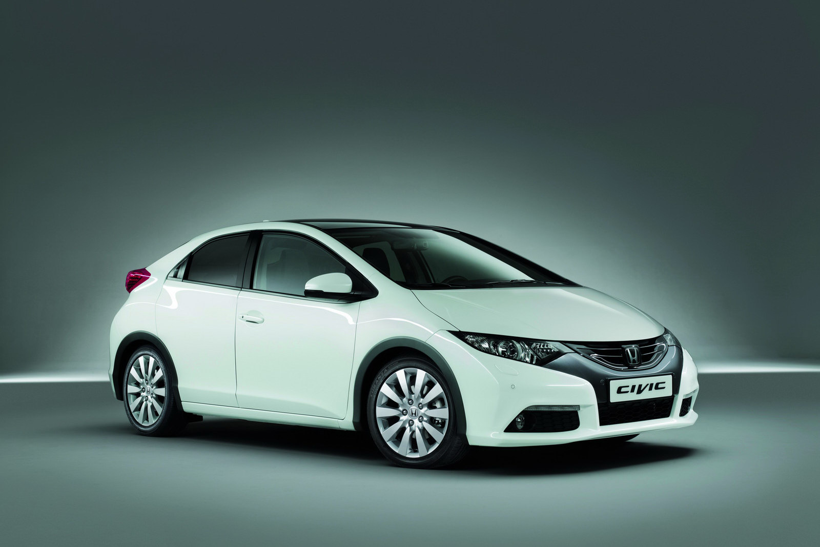 Pictures of honda civic fastback viii 2010