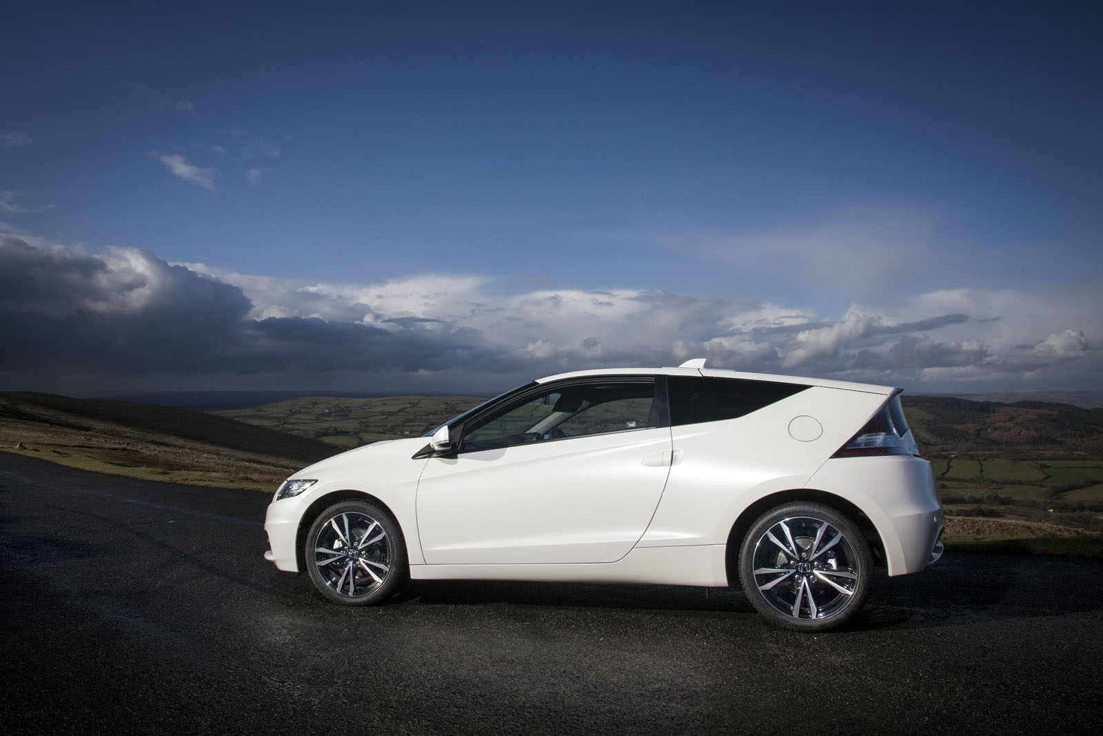 Pictures of honda cr-z 2013