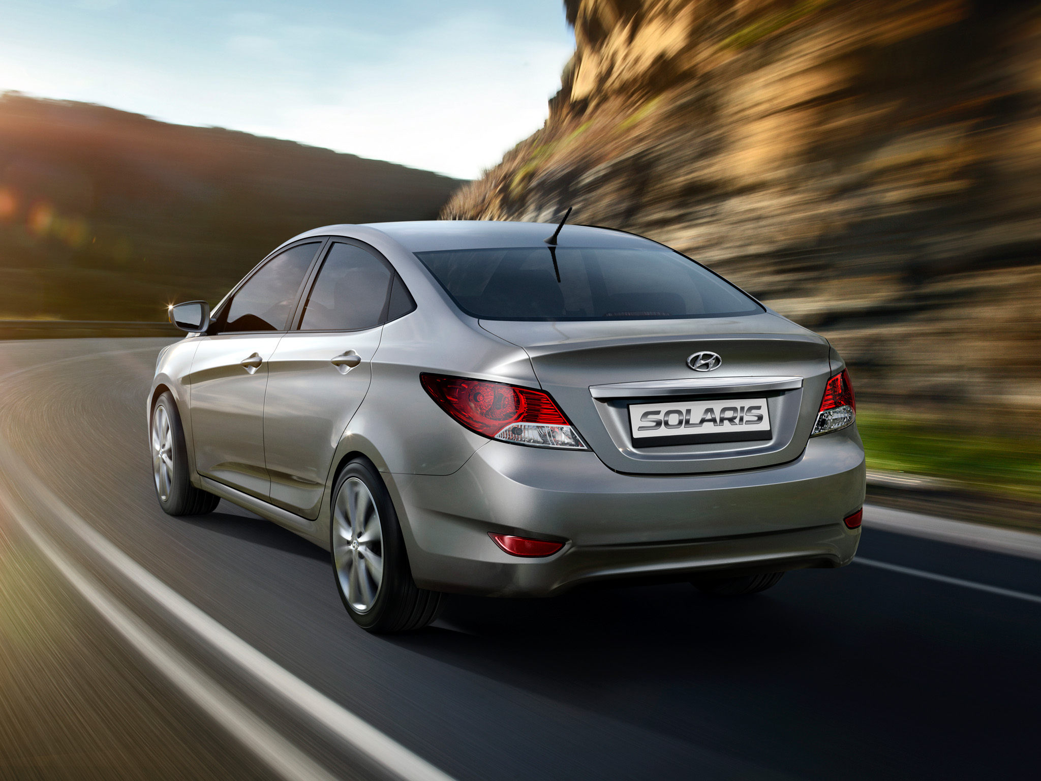 Pictures of hyundai solaris sedan 2012