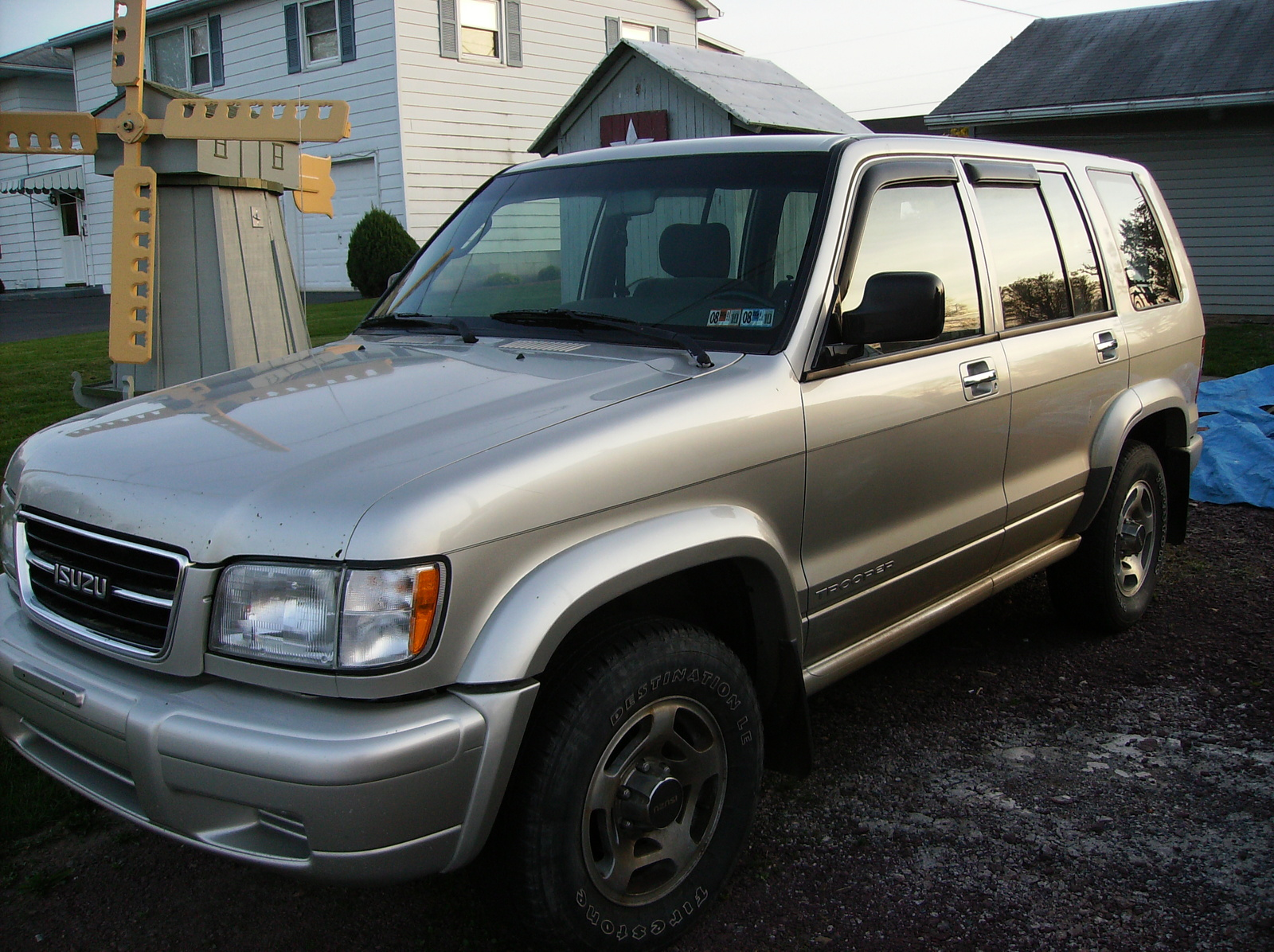 Pictures of isuzu trooper #15
