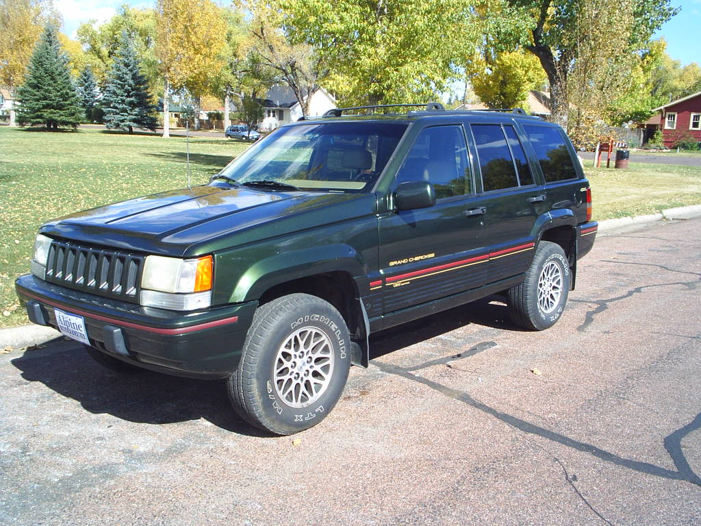 1995 jeep grand cherokee i z pictures information and specs auto. Black Bedroom Furniture Sets. Home Design Ideas