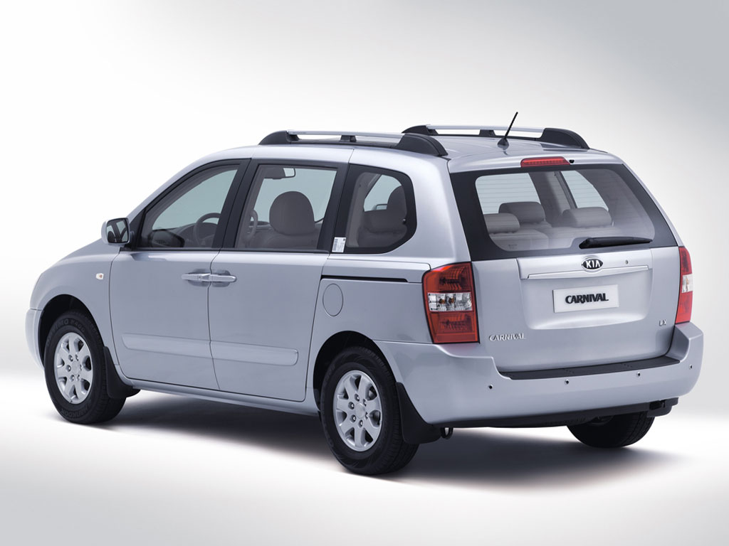 Kia carnival pictures information and specs auto for Kia motors passkey 0000