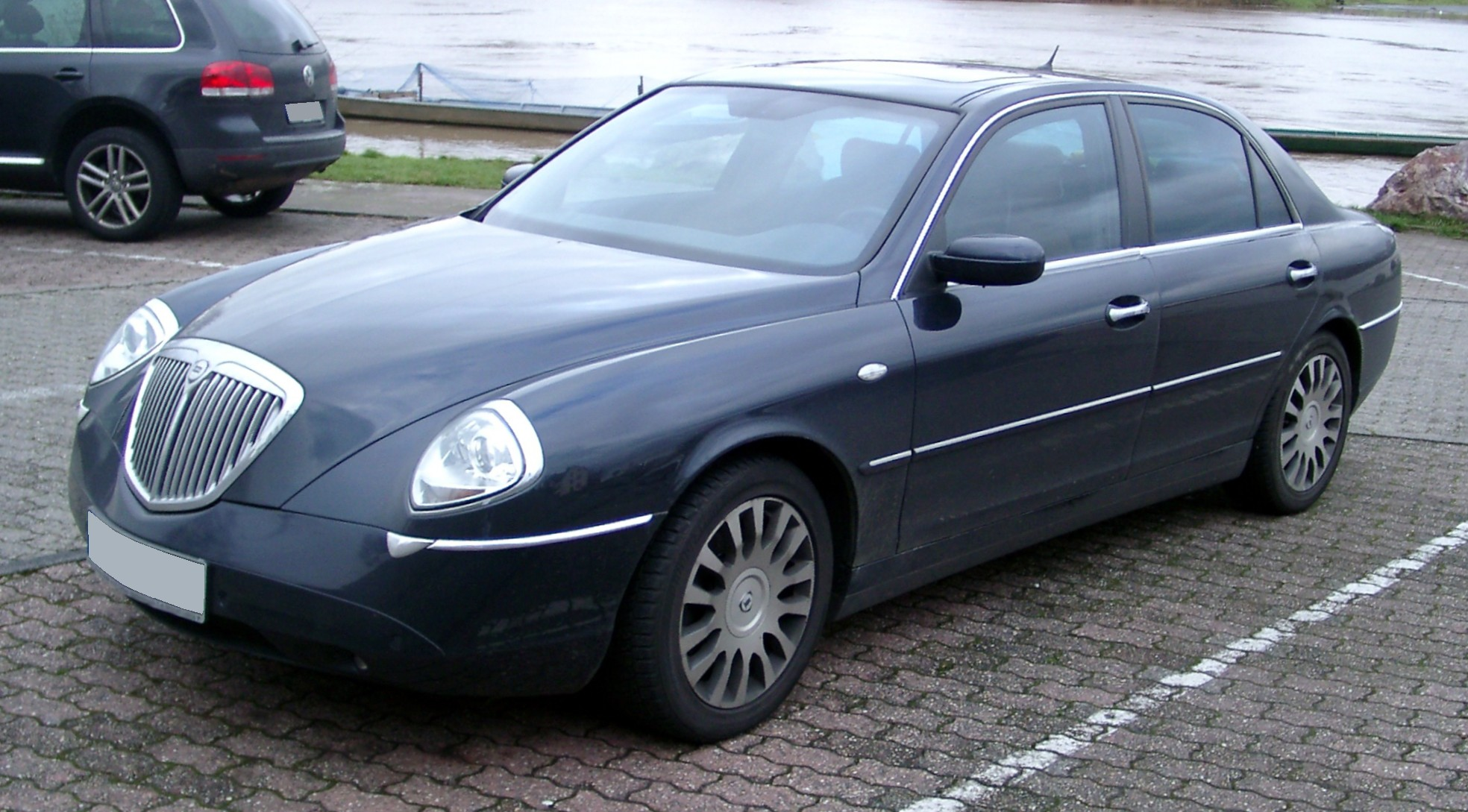Pictures of lancia thesis 2009