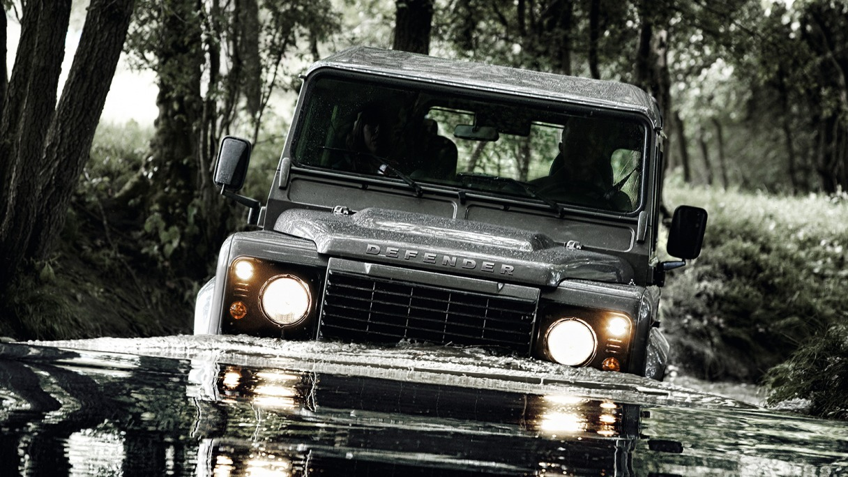 Pictures of land rover defender #3