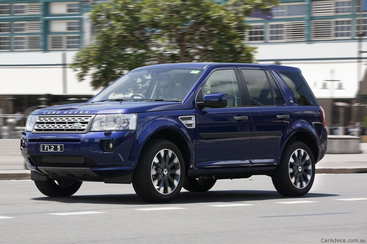 http://auto-database.com/image/pictures-of-land-rover-freelander-ii-2007-172187.jpg