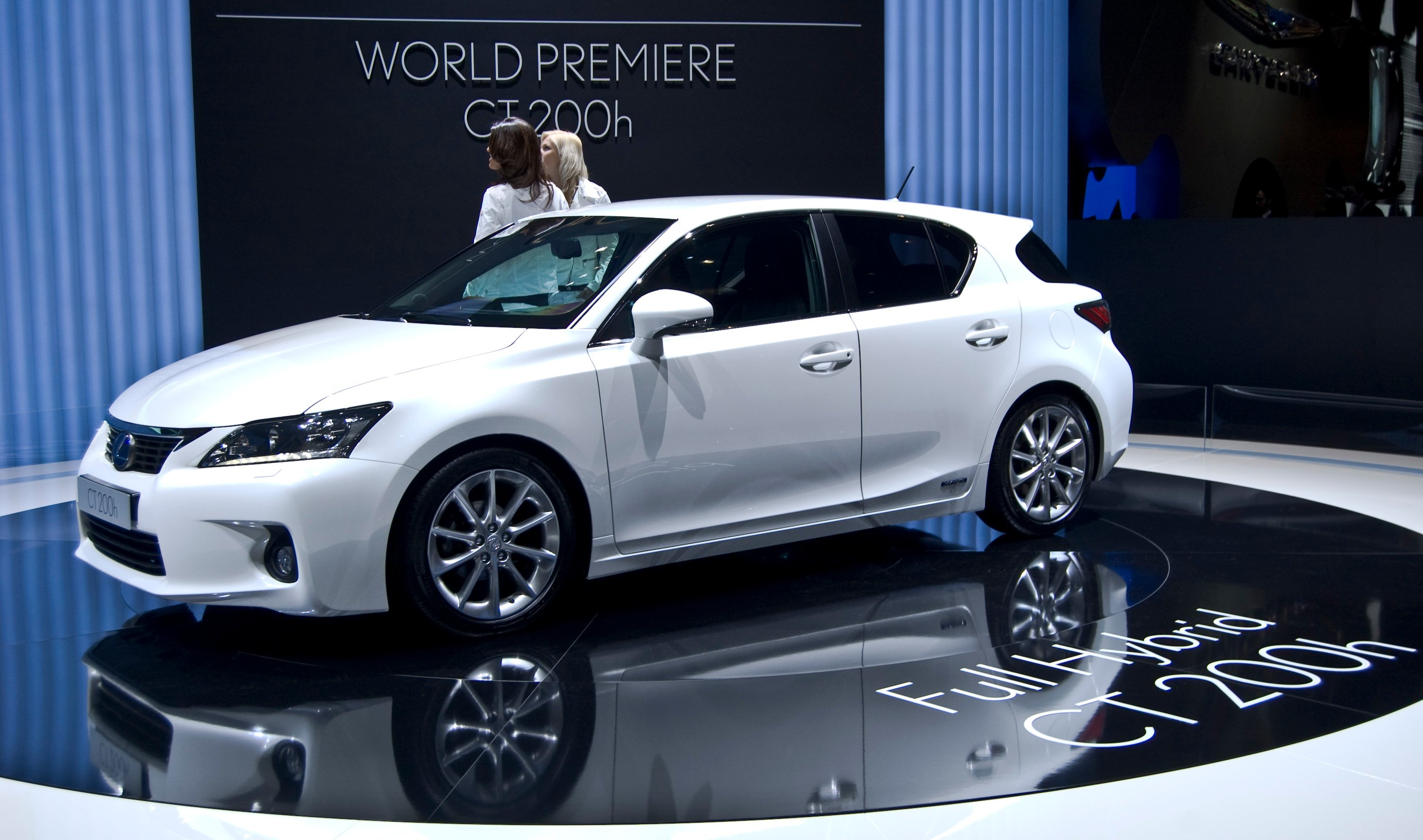 Pictures of lexus ct
