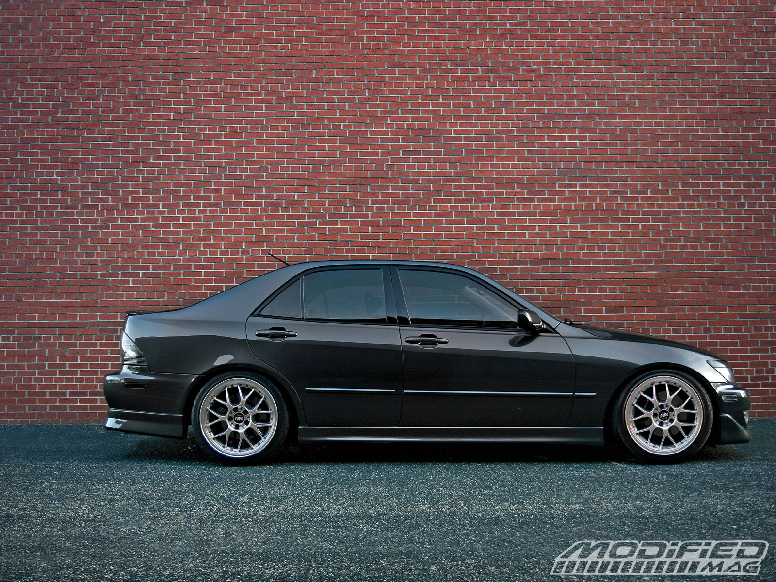 Pictures of lexus is 2004