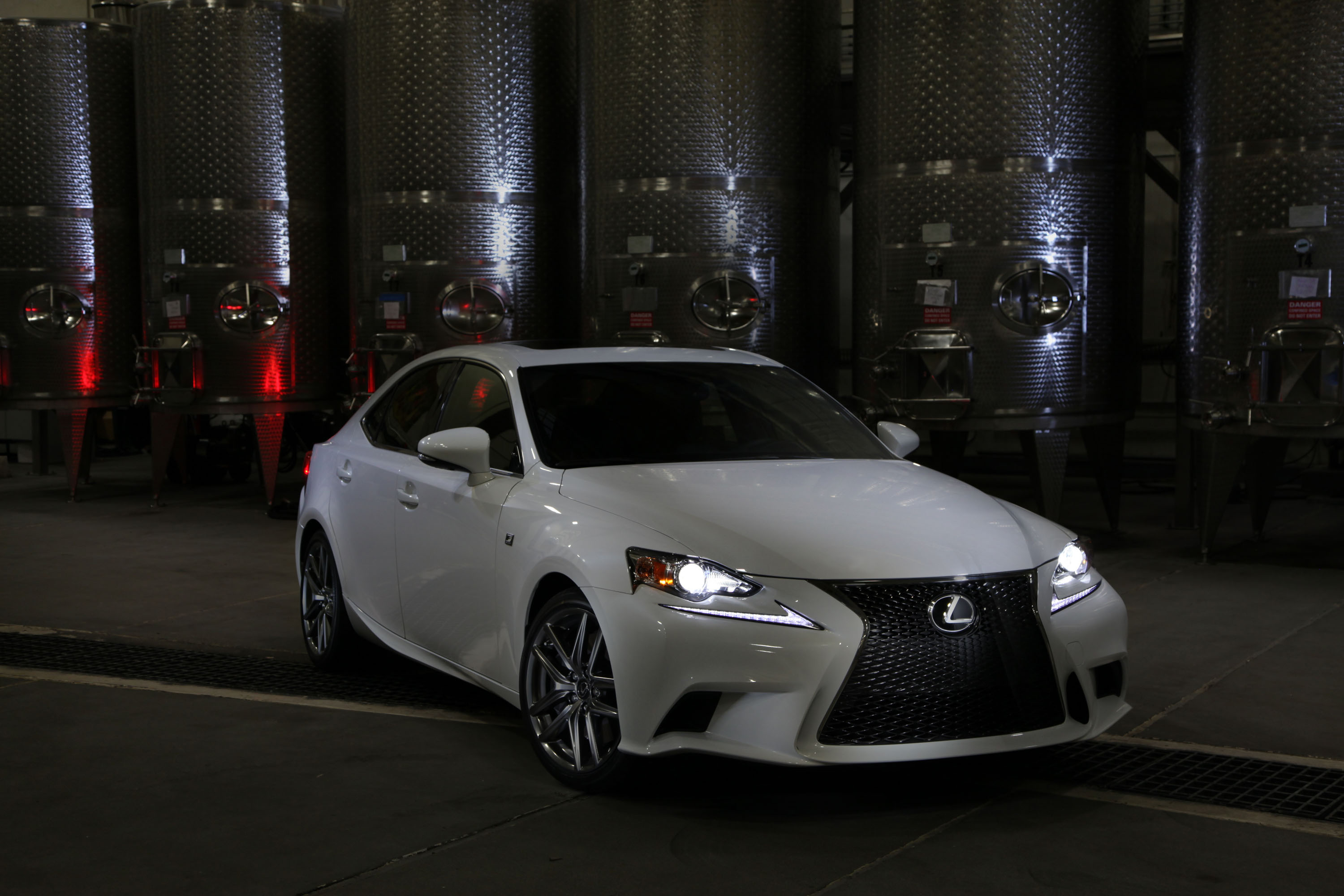 Pictures of lexus is f 2014
