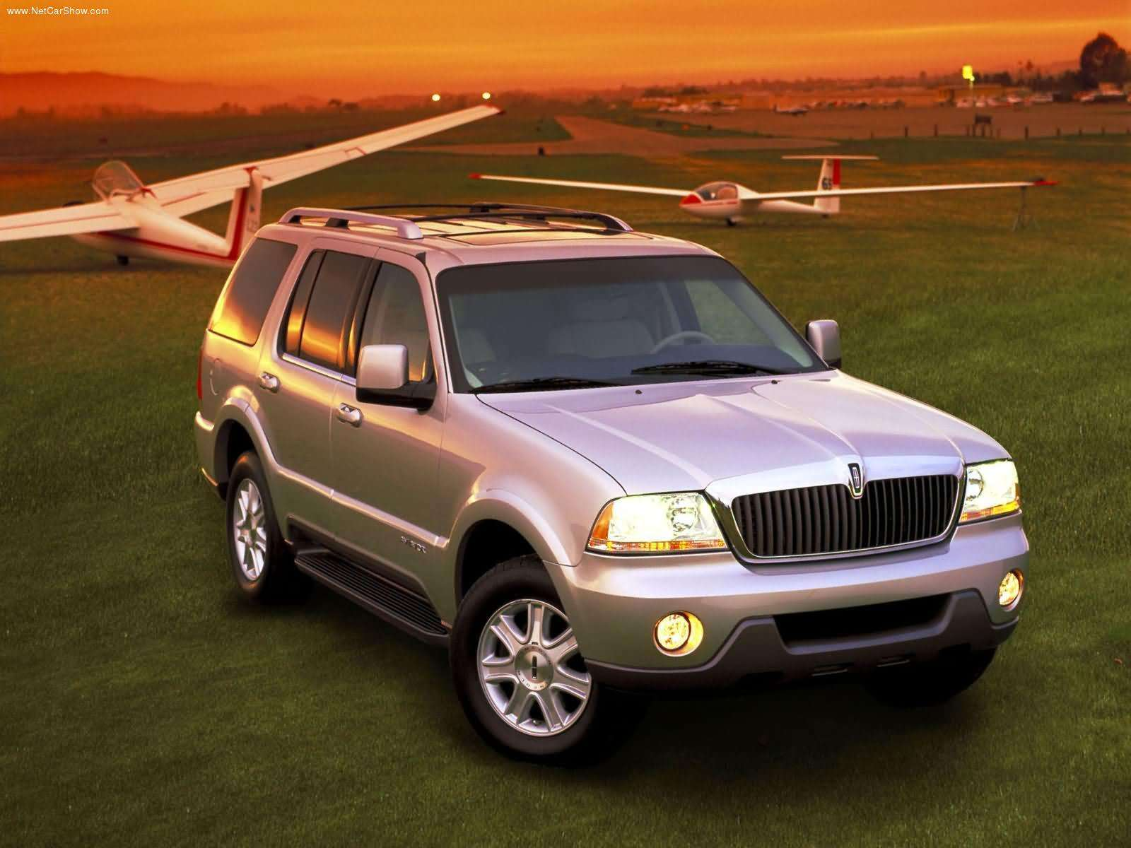 Pictures of lincoln aviator