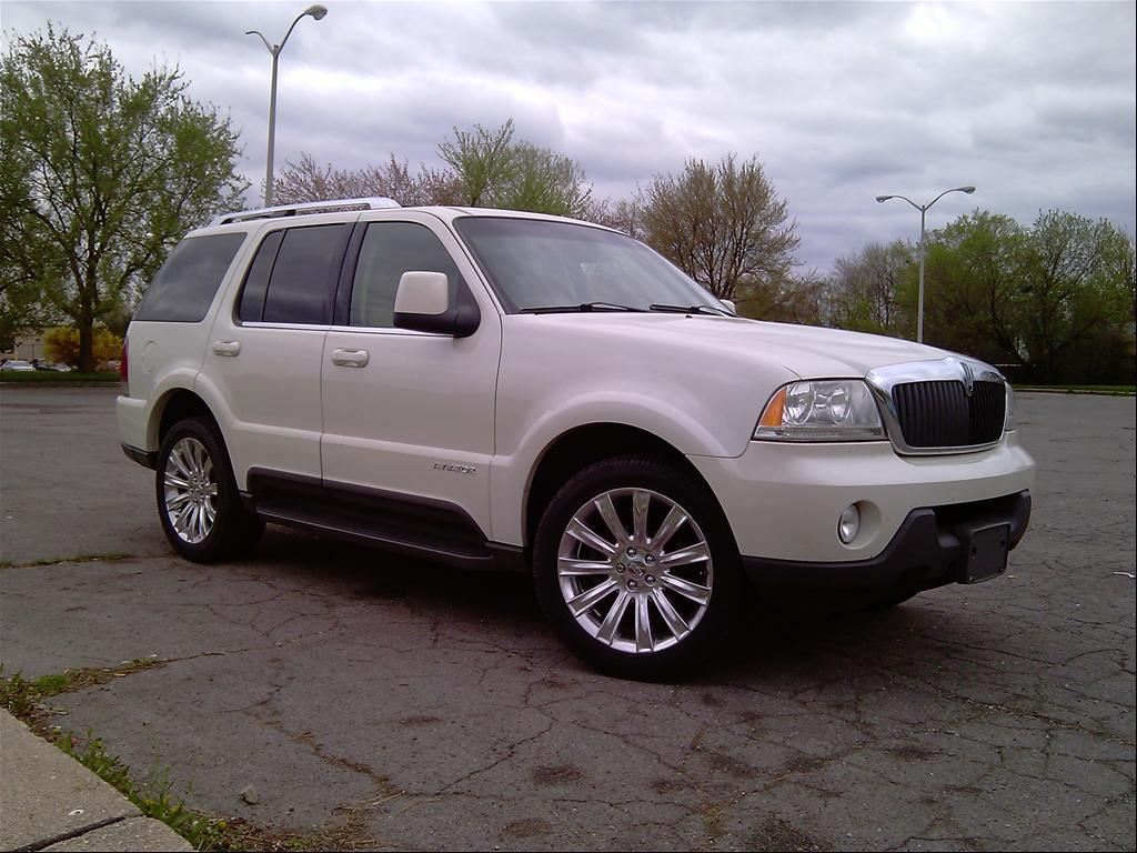 2004 lincoln aviator pictures information and specs. Black Bedroom Furniture Sets. Home Design Ideas